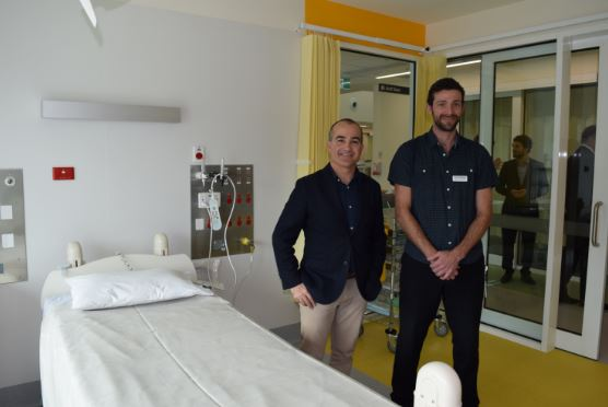 Deputy Premier and Monbulk MP James Merlino, pictured with Nurse Unit Manger Simon Delaney, visits the new fourth level at Angliss Hospital.